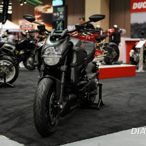 2013 Diavel Carbon - Motorcycle Show